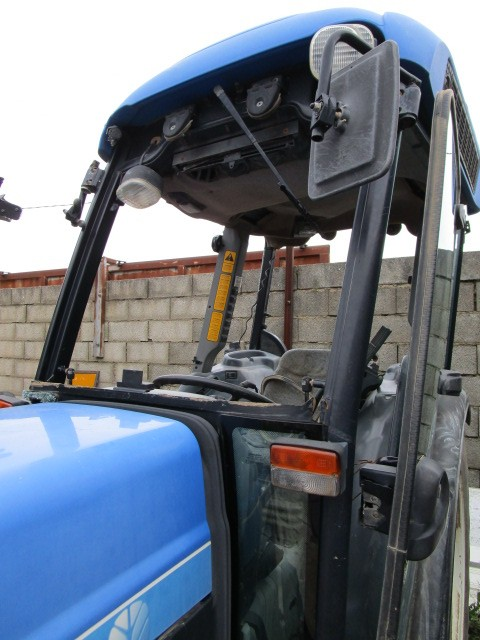TRACTEUR NEW HOLLAND TN70VA