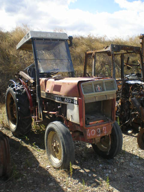 TRACTEUR INTERNATIONAL 533SA