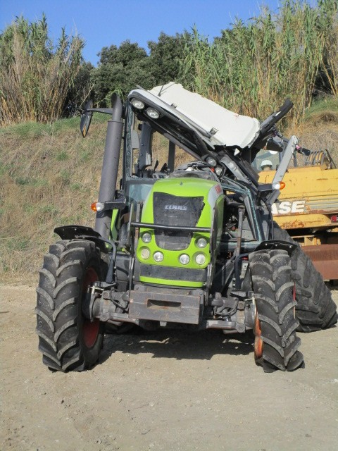 TRACTEUR CLAAS ARION 520