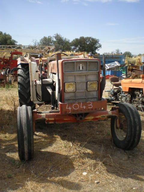 TRACTEUR INTERNATIONAL 734
