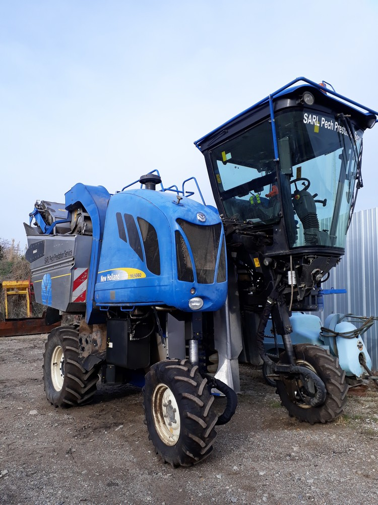 MACHINE A VENDANGER NEW HOLLAND VL5060