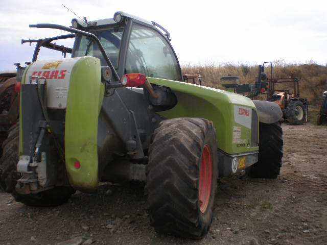 TRACTEUR TELESCOPIQUE CLAAS SCORPION 7040