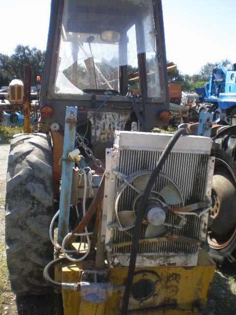 TRACTEUR INTERNATIONAL V633SA