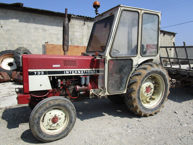 TRACTEUR INTERNATIONAL V733