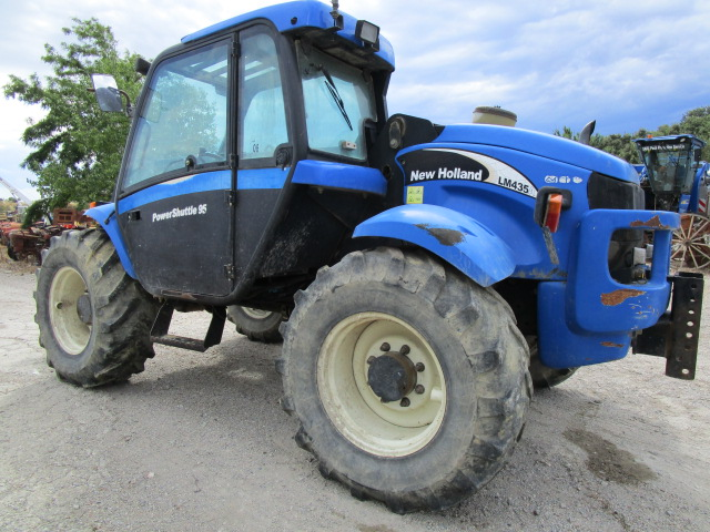 TRACTEUR NEW HOLLAND LM 435A