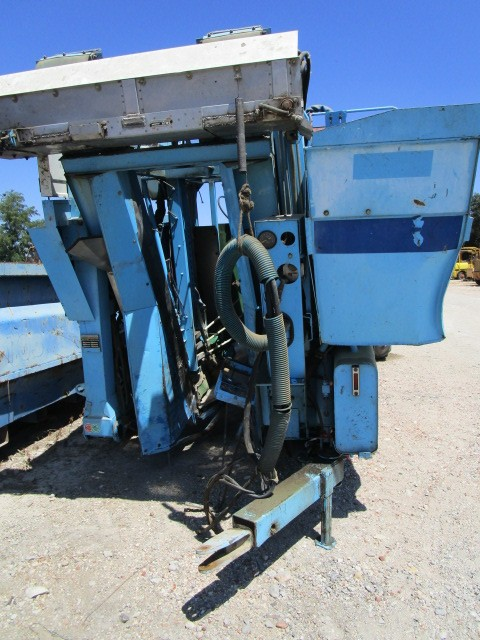 MACHINE A VENDANGER BRAUD T140