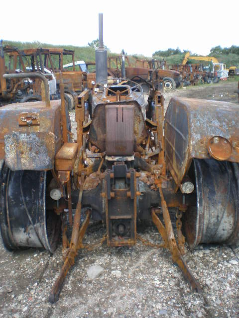 TRACTEUR FORD SUPER DEXTA 3000