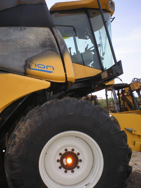MOISSONNEUSE BATTEUSE NEW HOLLAND CX6080